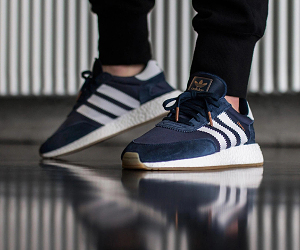 全新鞋款adidas Originals Iniki Runner BOOST上脚预览