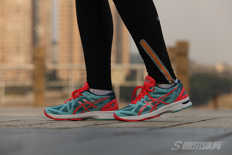 魅力深海ASICS GEL-DS TRAINER 21 NC 基础评测