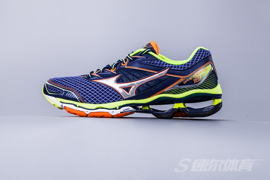 顶级缓震跑鞋 Mizuno Wave Creation 18