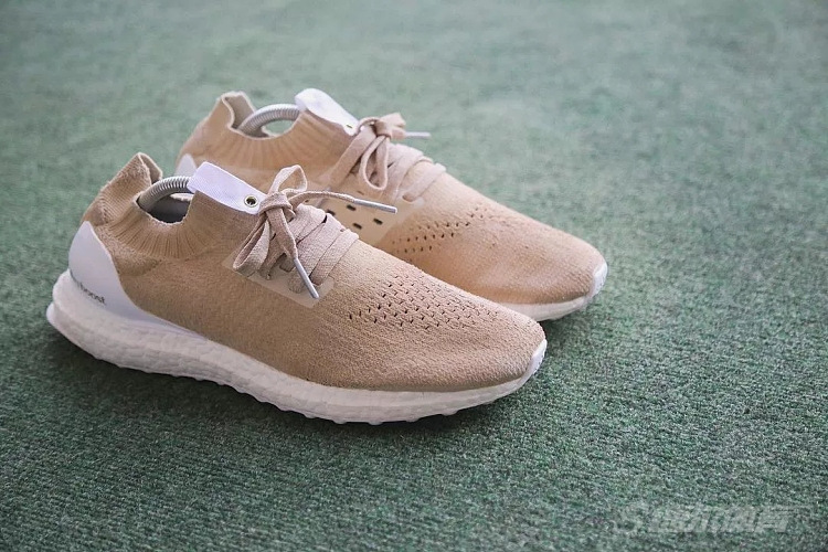 HUYCUSTOMS打造adidas UltraBOOST「Tan」定制配色系列